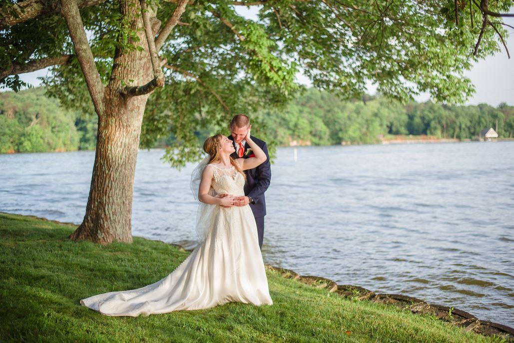 A Beautiful Farragut Wedding: Valerie + Andrew